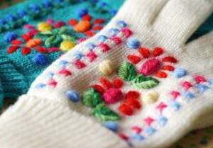 patronen geborduurde handschoenen wit en zeegroen 002