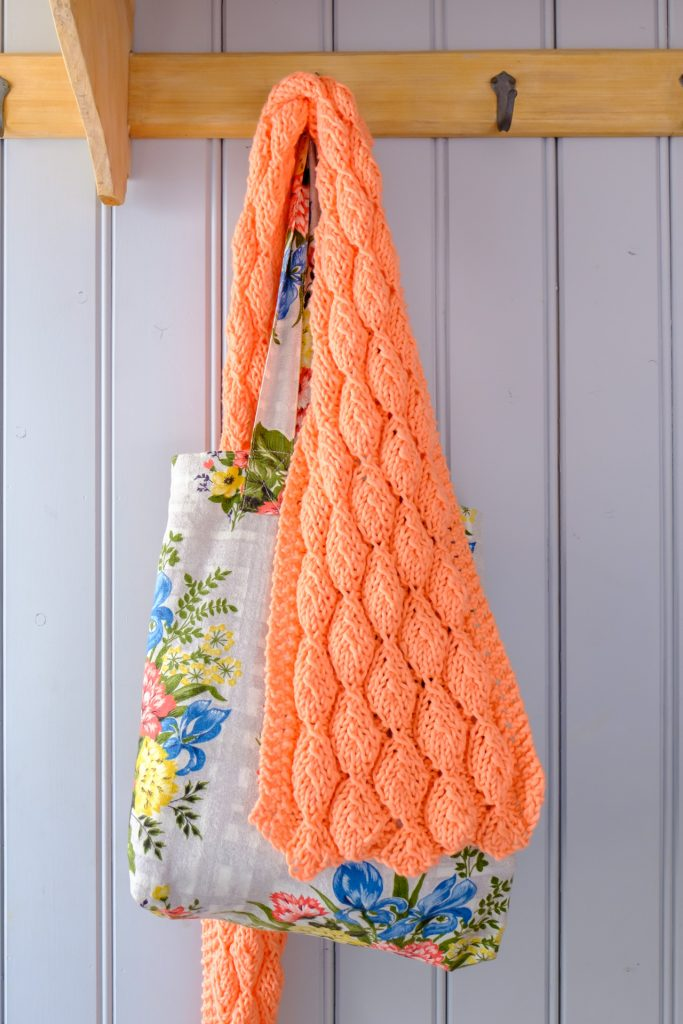 Mocht je graag willen leren hoe je de kanten  blaadjes  van de zomersjaal  breit, meld je dan aan voor de handwerkles bij Rits In die ik donderdag 30  maart ... 6f70e74446f